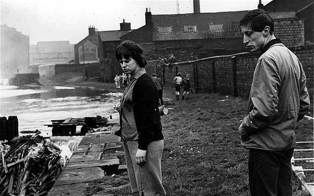 Rita Tushingham And Murray Melvin On Location In Salford   A Taste Of Honey